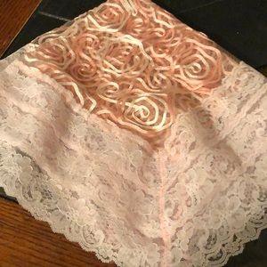 Lap scarf